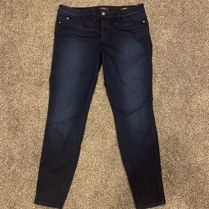 Size 32 Guess Jeans Dark Denim